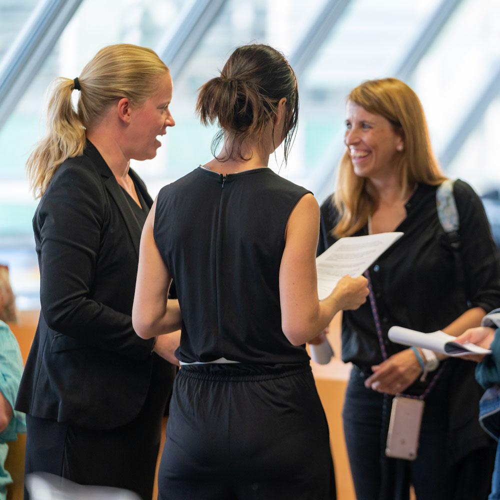 Drei Frauen im Businesslook
